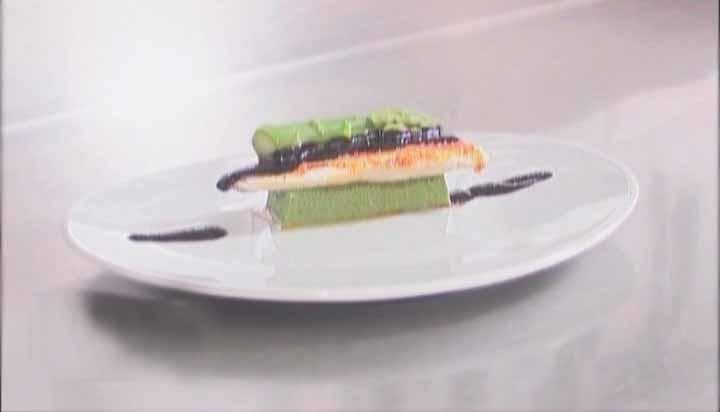 барабулька с со спаржей и соусом из маслин