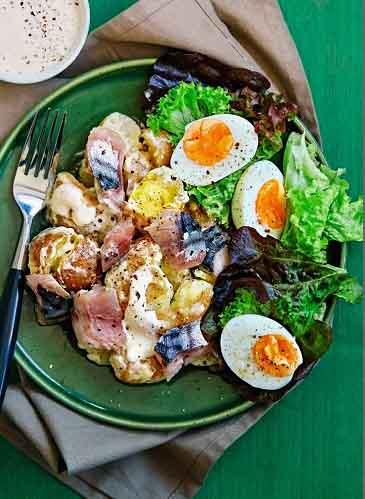 салат с копченой рыбой горячего копчения - рецепт от malosoli.ru