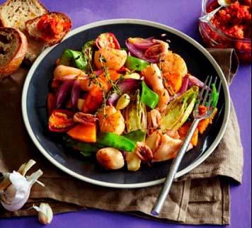 запеченные морепродукты - рецепт со свежими овощами