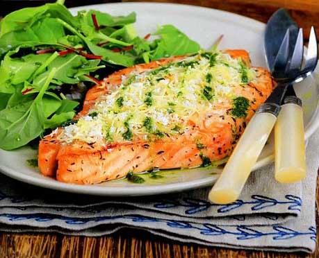 лосось запеченный с сыром в фольге