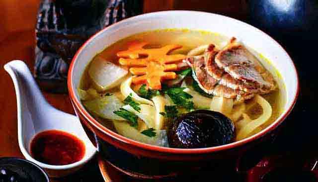 японская лапша удон с говядиной - суп