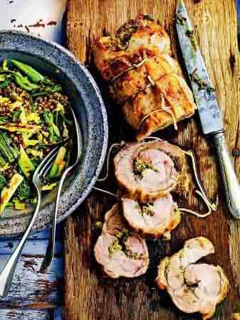 рулет из свинины с кедровыми орехами и пряными травами